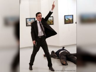 Burhan Ozbilici World Press Photo 2017