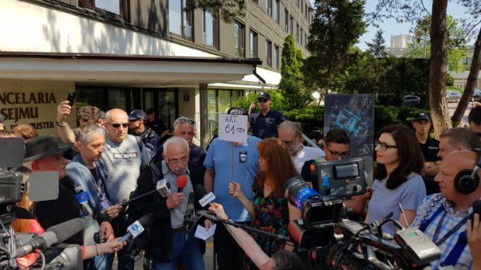 Protest dziennikarzy pod Sejmem