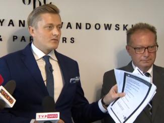 O złożeniu pozwów informował Bartosz Lewandowski