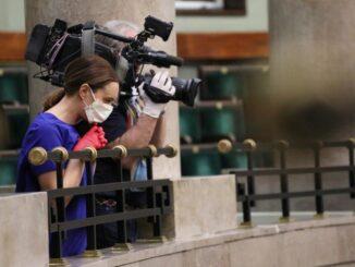 Reporterzy w Sejmie w czasie epidemiii koronawirusa